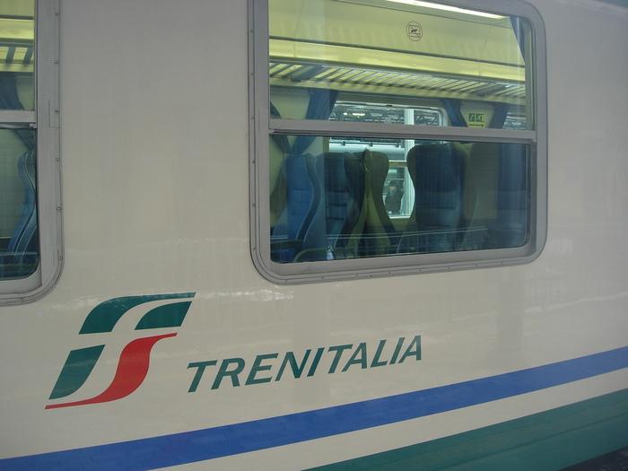 Ferrovie: Carrozza Trenitalia