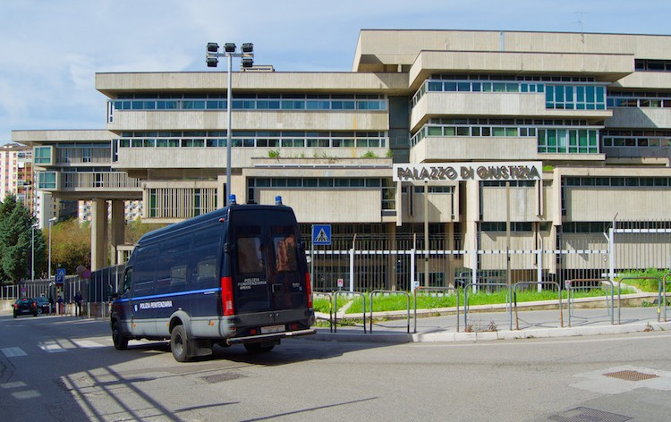 palazzo-giustizia-potenza-fonte-ufficiostampabasilicata.jpg