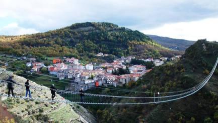 07 Aprile Ponte della Luna Sasso di Castaldo (PZ)