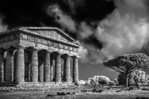 Foto di Divitini_Particolare tempio di Nettuno