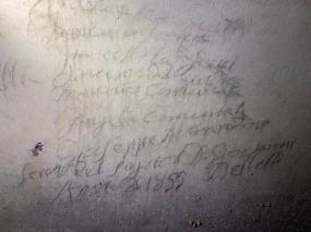 Galleria sotterranea_graffiti